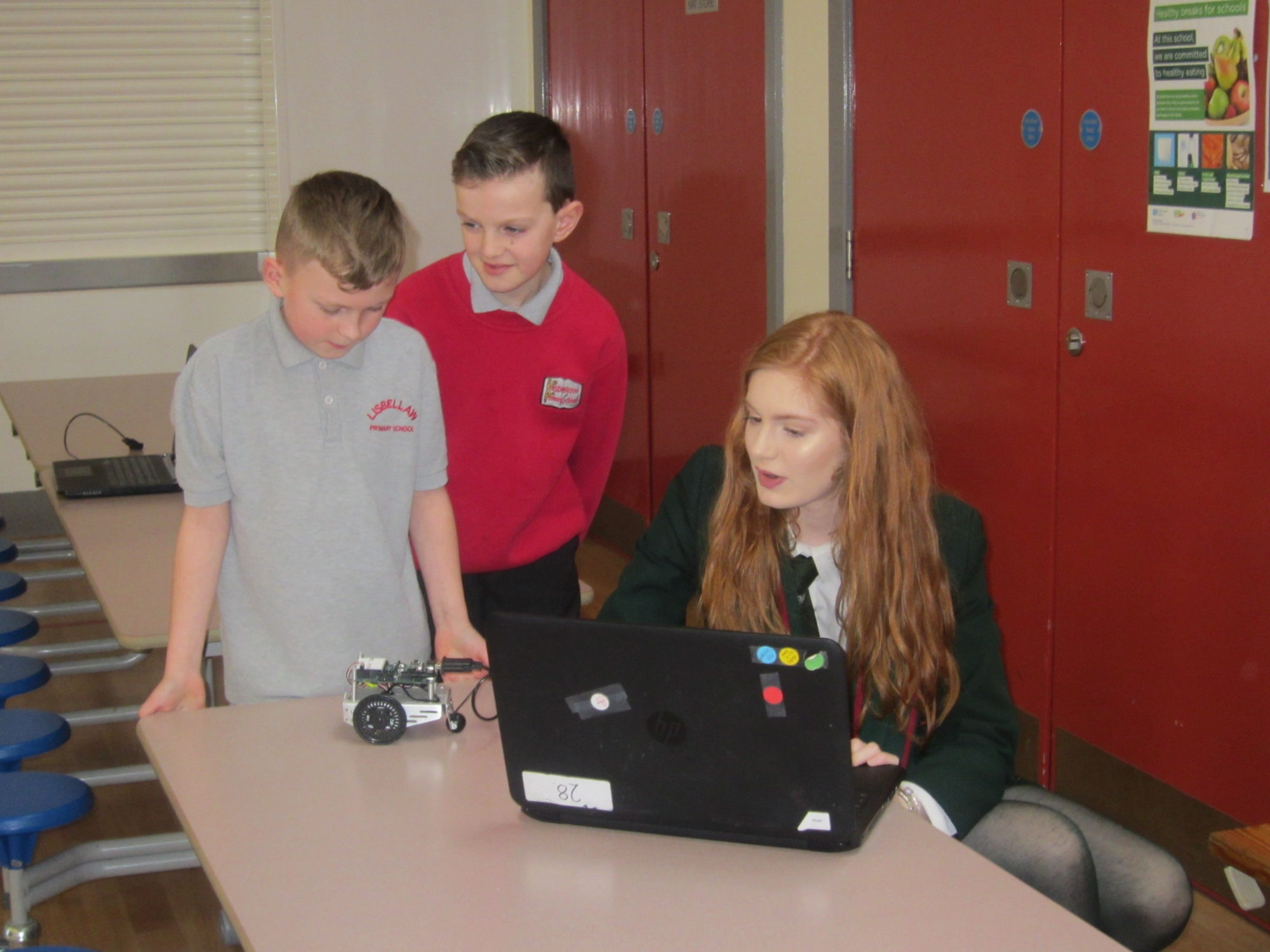 Yr14 Technology Amp Design Pupils Volunteer As Mentors At
